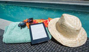 """""""J'ai touché l'fond d'la piscine, mon ebook bleu marine..."""""""